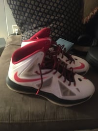 Pair of white-and-red nike basketball shoes Bethpage, 11714