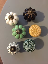 Decorative knobs London, N6B 2V7