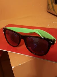 black and green wayfarer sunglasses Regina, Saskatchewan, S4T 4E1