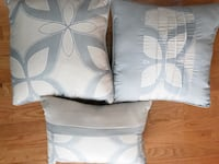white and brown throw pillows Alexandria, 22304