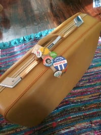 Retro Airway Suitcase with Epic Gold Latches