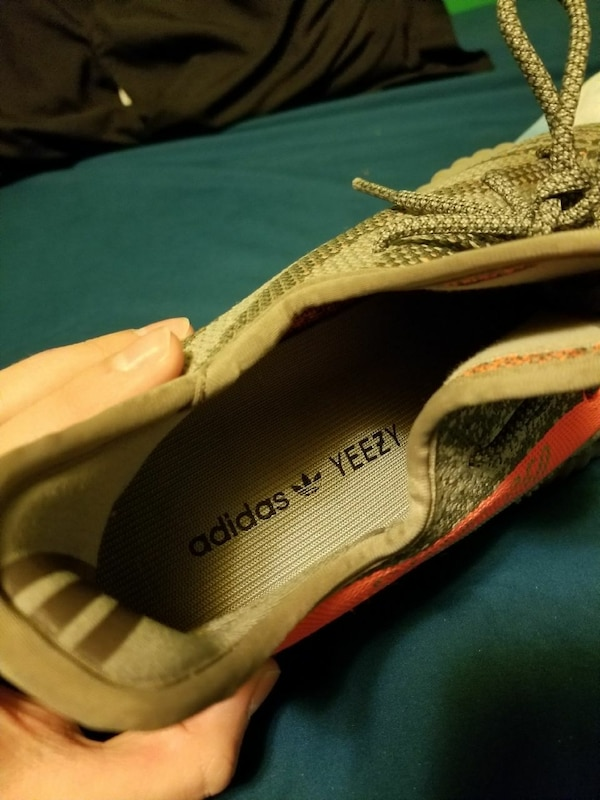 85d3fefb8b6c8 Used unpaired black Adidas Yeezy Boost 350 for sale in Hanover - letgo