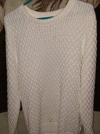 white and gray scoop-neck long-sleeved shirt Pickering, L1X 0A2