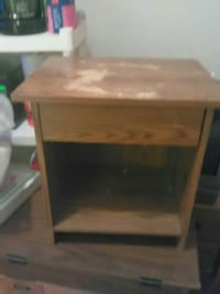 brown wooden end table Wilkes-Barre, 18701