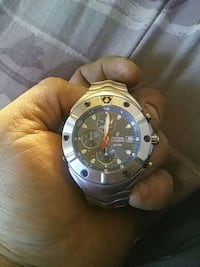 round silver chronograph watch with black leather  Hamilton, L8M 3B1