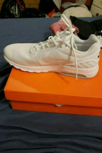 pair of white Nike running shoes with box Baltimore, 21229
