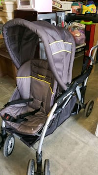 Sit and stand stroller @ clic klak toys warehouse  Mississauga, L4X 2S3