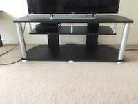 TV stand ( moving sale) Vancouver, V6T