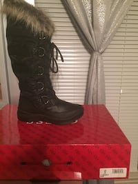 Brand new Guess boots Mission, 78572
