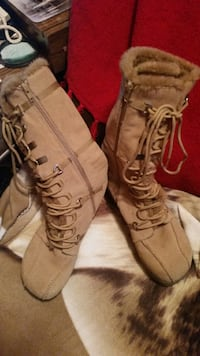 Report Boots sleigh leather