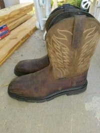 pair of brown leather cowboy boots Round Rock, 78664