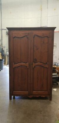 ANTIQUE WARDROBE MID LATE 1800 STERLING