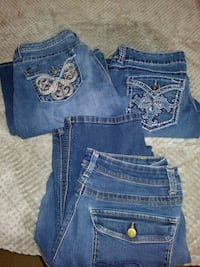 3 pairs womens jeans size 14 Bloomington, 47403