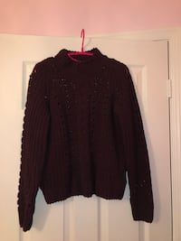 Burgundy knit sweater Markham, L3P 1W2