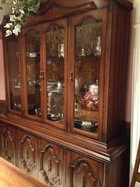 MOVING SALE:  Solid walnut  wood  buffet  and hutch Mississauga, L5L 2S5