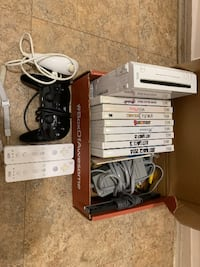 Nintendo Wii + games + controllers 37 km