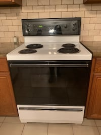 Kelvinator Kitchen stove/pick up only Vaughan, L4H 2G8