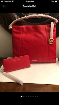 NEW LARGE AUTHENTIC LEATHER  MICHAEL KORS BAG AND WALLET 54 km