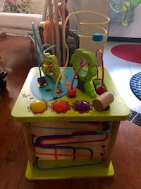 Hape Country Critters Play Cube Toronto, M4L 2W9
