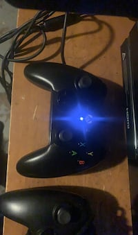 Xbox One w/2 Wired Controllers Detroit, 48228