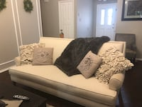 Ivory Southern Living couch  Grapevine, 76051