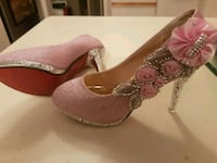 Gorgeous jeweled red bottom shoes  Whitby, L1N 8X2