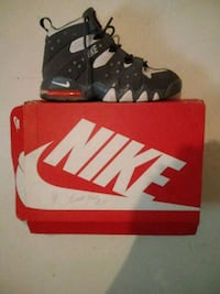 Orange grey an white Nike airmax Lakeland, 33815