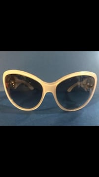 Gucci Sunglasses & Case Ladies' Women's