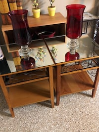 Beautiful End Tables with Mirror Top! 24x20 Mokena, 60448