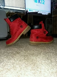 red-and-black Timberland work boots Washougal, 98671
