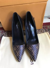 Beautiful LV pumps Sterling, 20164