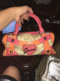 Original Guess purse with brand new wallet  Mission, 78574