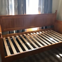 Day Bed Strongsville, 44136