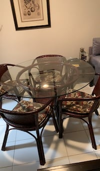 Rattan Table with cushions  Fort Lauderdale, 33308