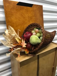 Harvest cornucopia table deco