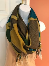 New without tag Women's Scarf, soft and comfy acrylic, beautiful shades of olive and blue colors Farmington Hills, 48336