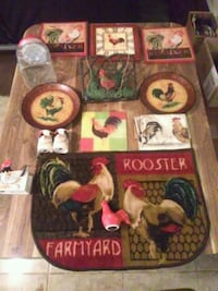 THIS IS A 14 PIECE ROOSTER KITCHEN DECO SET Peoria, 85345