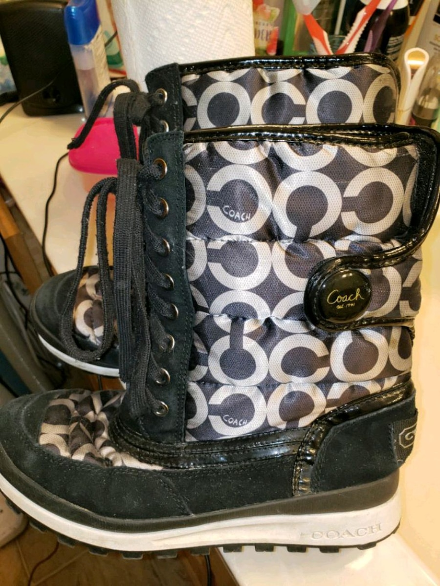 Photo COACH Womens boots size 7