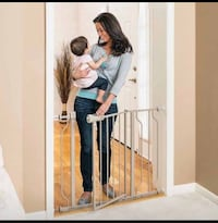 NEW!! Evenflo Easy Walk-Through Doorway Gate, Tan St Thomas, N5R 6M6
