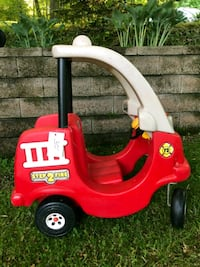 red and white Little Tikes cozy coupe McChesneytown-Loyalhanna, 15661