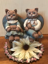 Adorable pair of kitties on wooden bench 20 mi