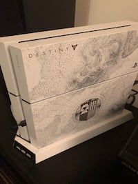 Limited Edition Glacier White Destiny Taken King PS4 with lots of extras Frederick, 21702
