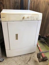 white front-load clothes dryer Elk Grove, 95624
