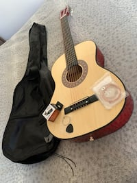Robson guitar never used excellent condition