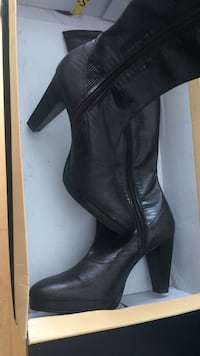 Black leather size zip chunky heel knee high boots with box Calgary, T2Z 4R3