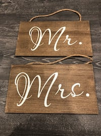 Mr and Mrs wooden chair signs / large  Leonardo, 07737