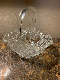 Gorgeous, real crystal basket! Very nice quality! Sioux Falls, 57103