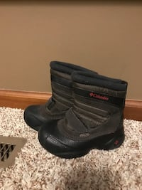 Columbia boys boots size 10 Lincoln, 68510