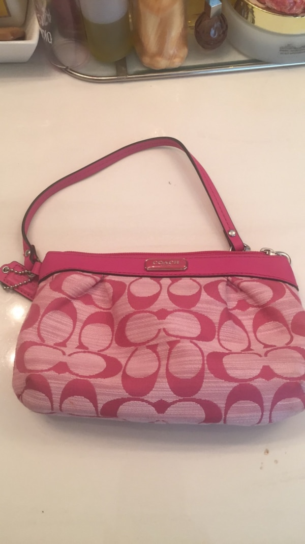7740c5f7ee6f Used Pink coach for sale in Lithonia - letgo