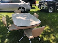 Vintage kitchen table & chairs. Chair seats need a little TLC but otherwise in great condition Hopedale, 01747